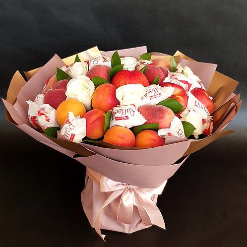фруктовый букет с конфетами