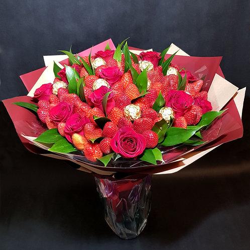 букет из роз клубники конфет
