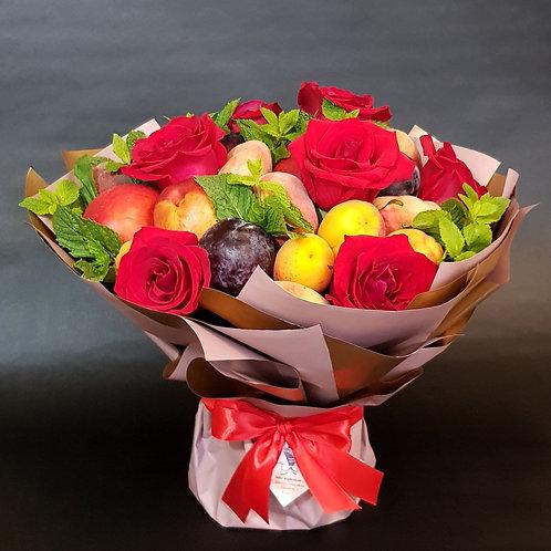 Фруктовый букет Этюд с розами