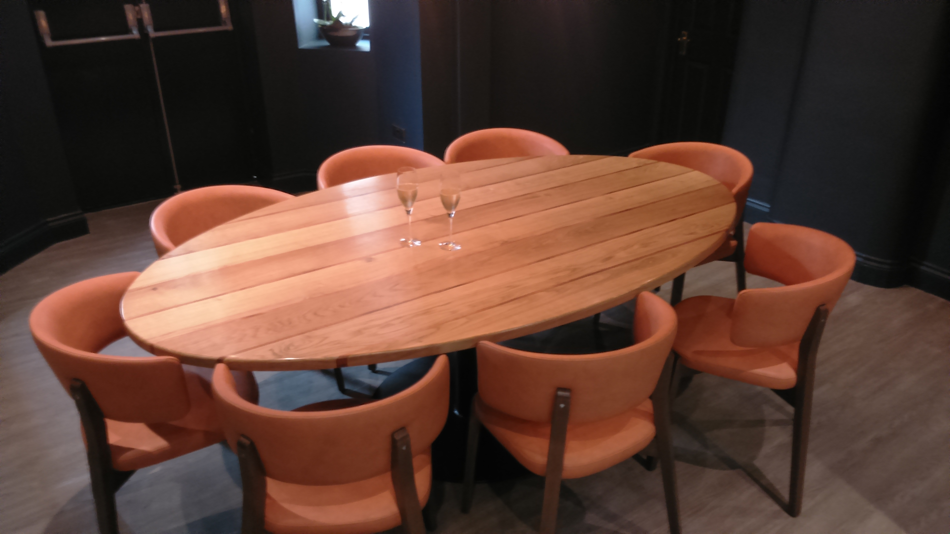 etch. private dining table