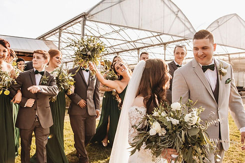 greenhouse-bridal-party-buchwalter-green