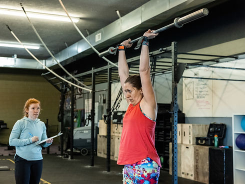 woman-with-empty-barbell.jpg