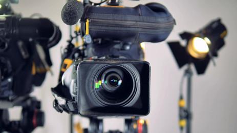 videoblocks-fast-moving-shot-that-stops-