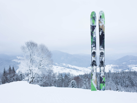Must-Have Guide to Mammoth's Ski + Snowboard Gear Rentals, Tickets, Lessons and Clinics