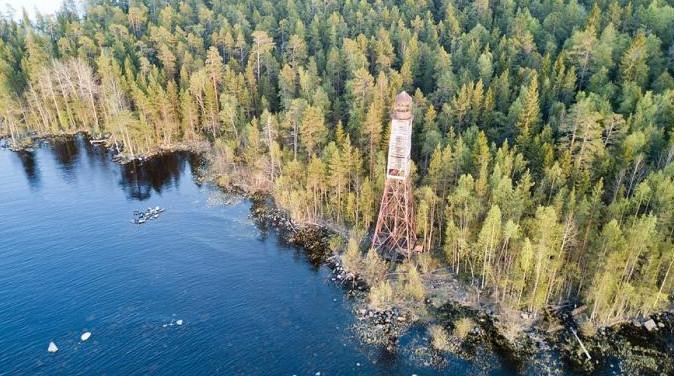 Shokshinskiy Lighthouse (Onega Lake)