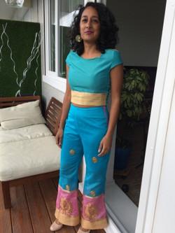 Dans un sari,