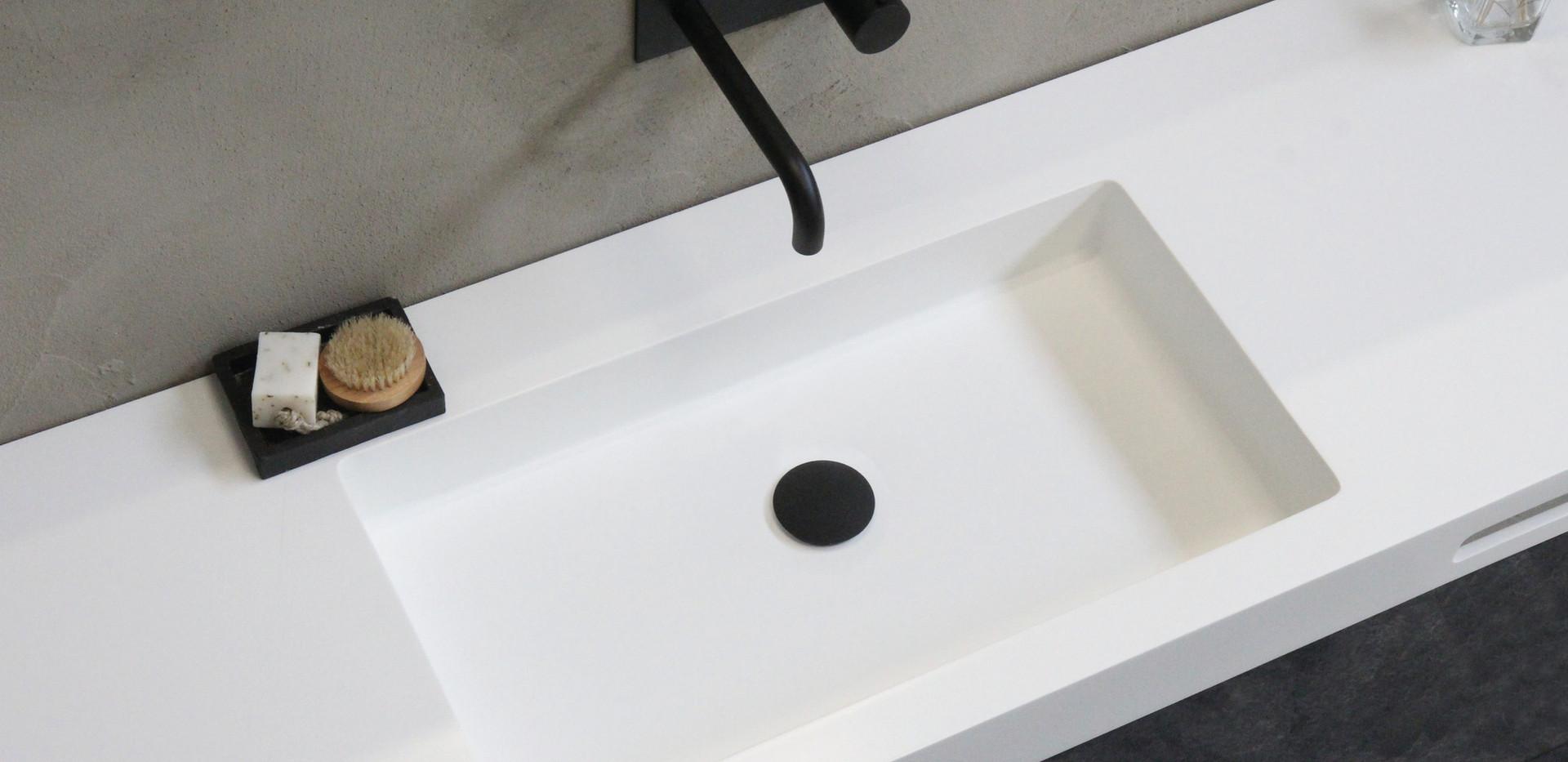 Spazio - Fritmonteret håndvask med høj kant