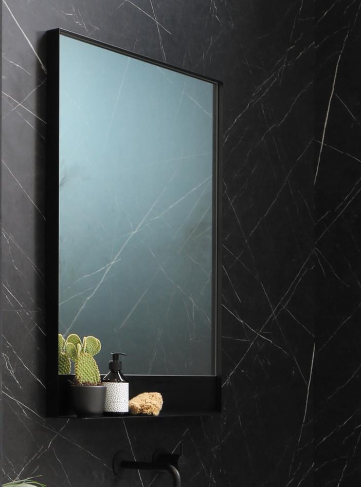 Spiegel in zwart kader incl. planchet