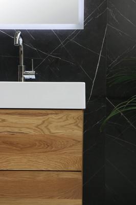 United 140 vask højglans hvid - push open møbel massiv eg