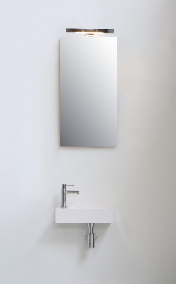 Spiegel op houten plaat