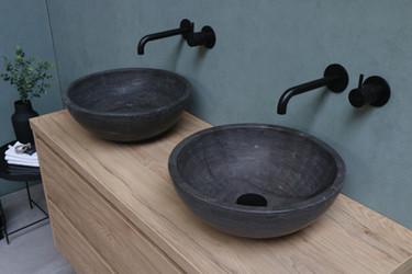 Runde stenbowler - møbel i ideal eg