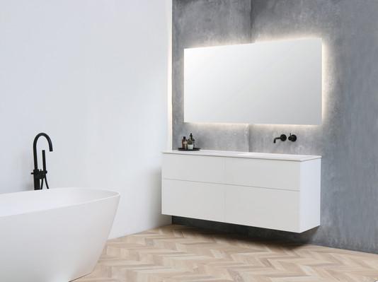 Faktor vask højglans hvid - push open møbel mat hvid