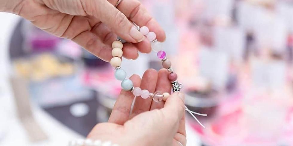 GOODNA - STUDIO - Learn to make a crystal bracelet