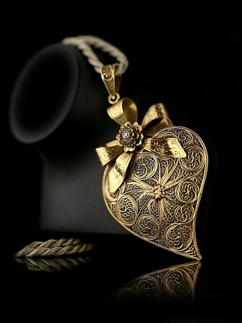 Viana Heart Diamond