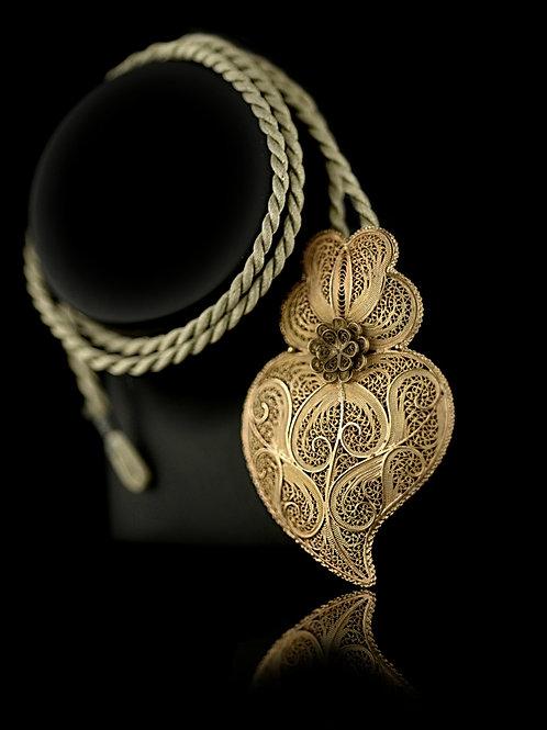 Viana Heart Flower