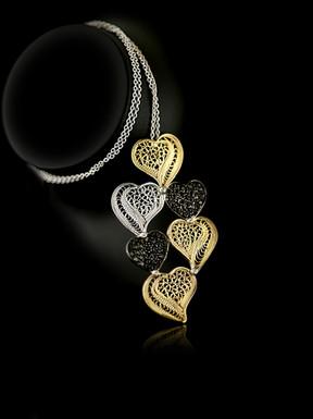 Colar Ouro Diamantes Negros