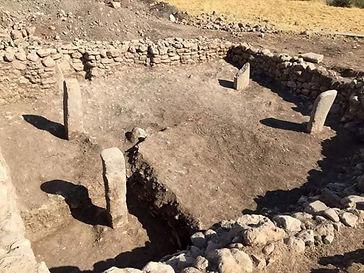 four-stelae-ancient-temple-historic-Arme