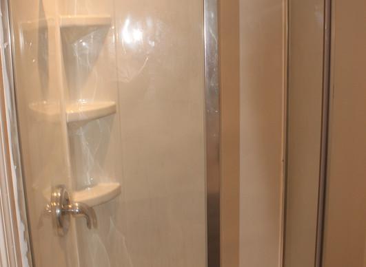Full Bathroom 3a.jpg