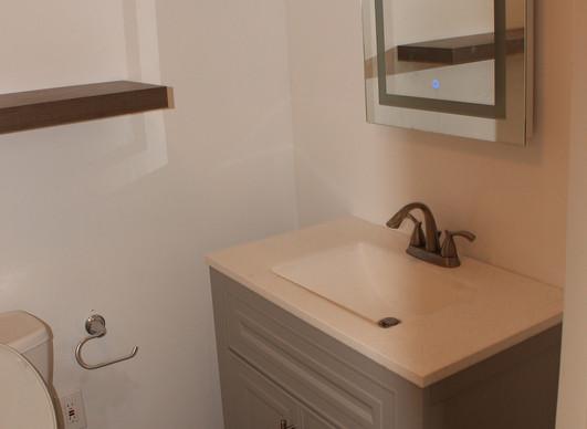 Full bathroom -3.jpg