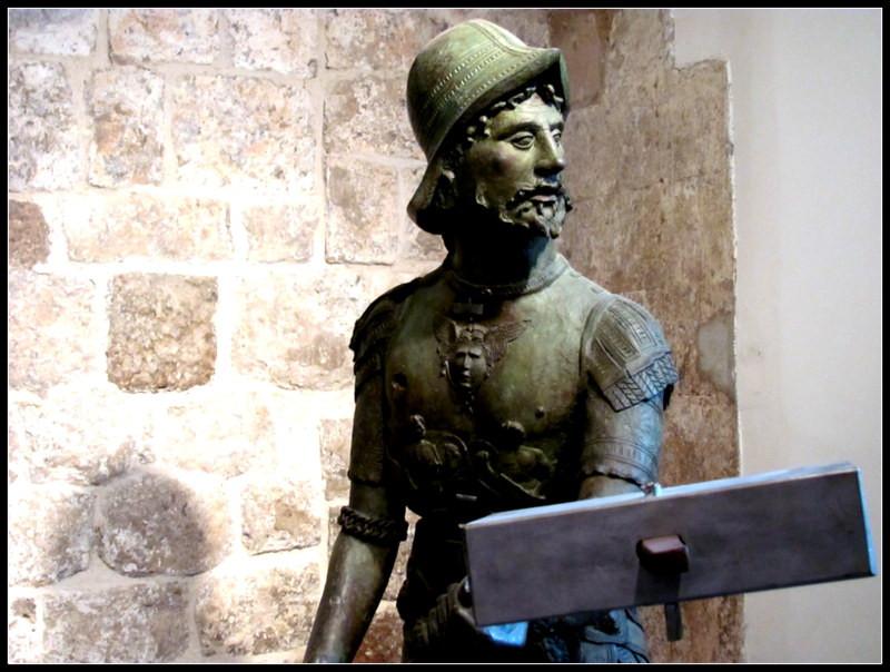 Dubrovnik Maro Statue 2mi3