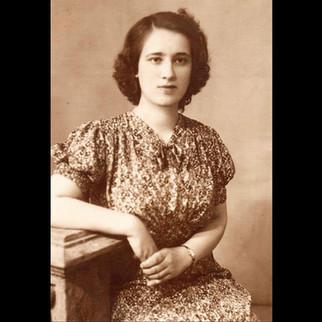 Sanzoni Family, From Palermo to Karaagac / 1940s Marietta Sanzoni -