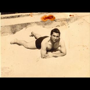 1940s In The Summertime / Aleko in the beach
