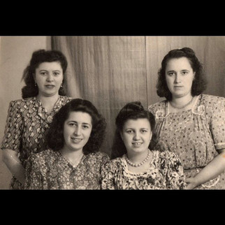 1940s Sisters & Friends