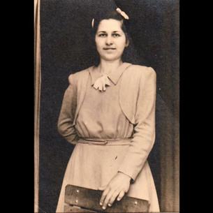 Sanzoni Family, From Palermo to Karaagac / 1940s Giuseppina Sanzoni