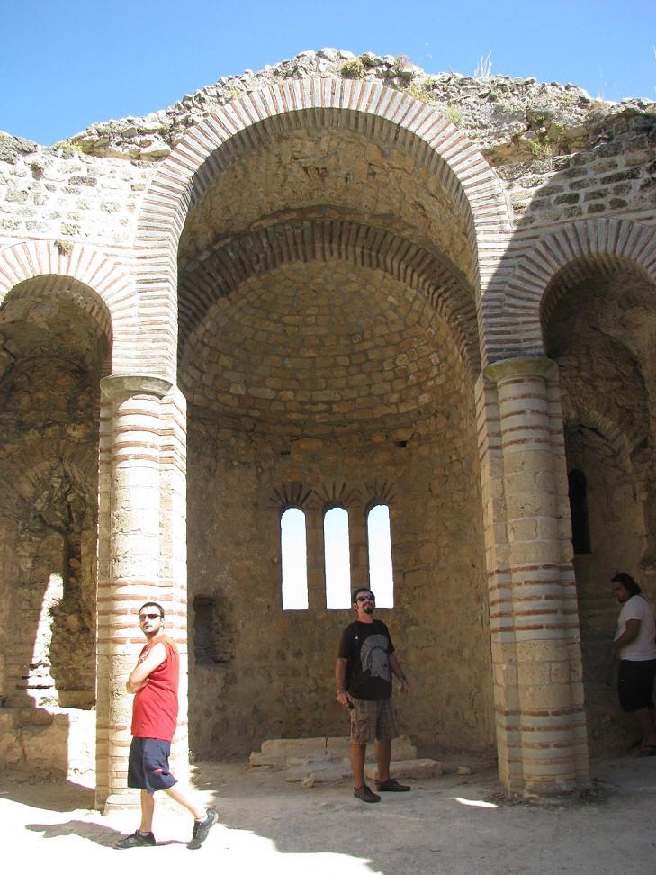 KıbrısStHillarion 2mi3 Church