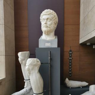 Hadrian Heykeli
