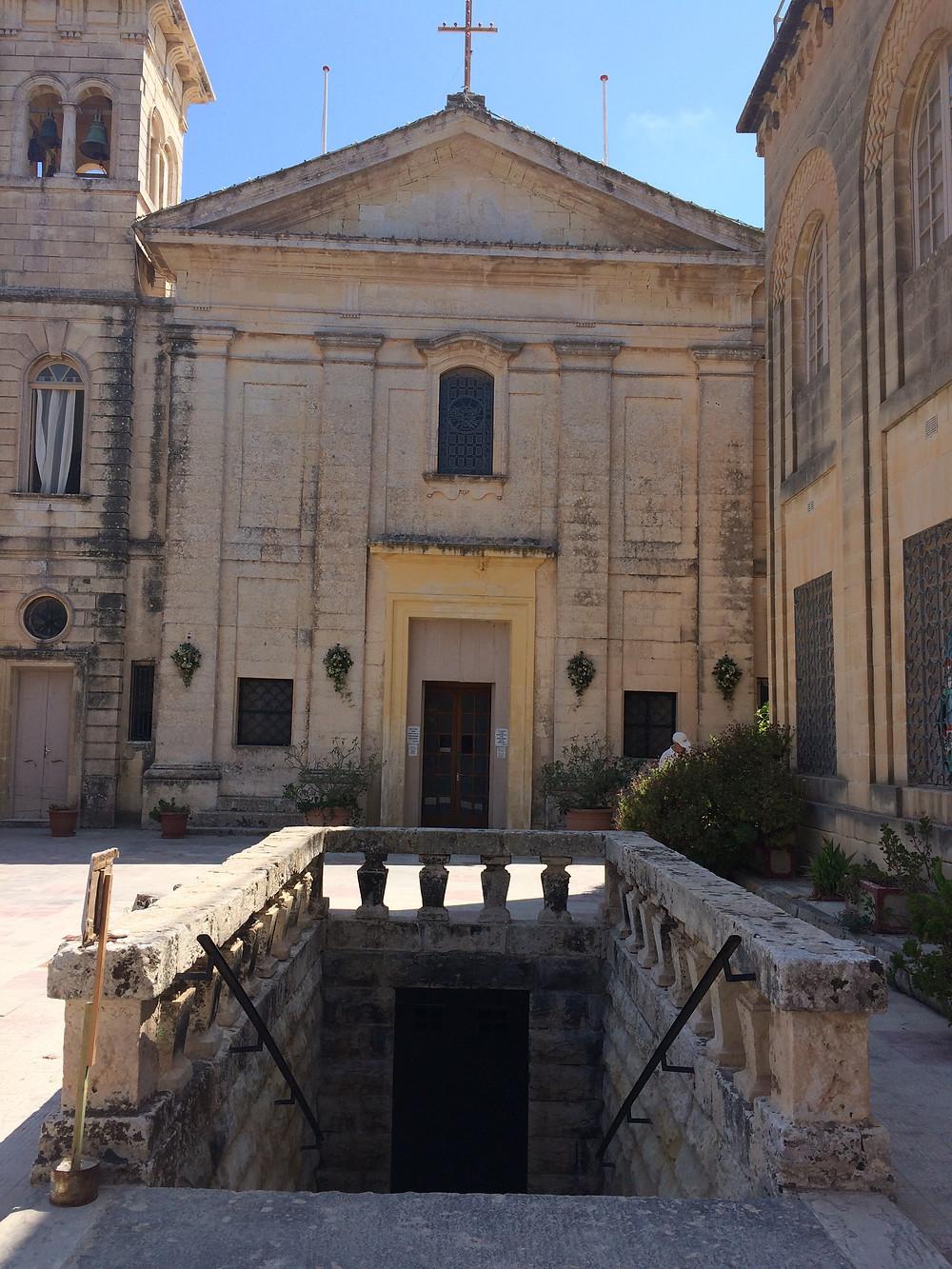 St.Agatha's Catacombs - Church and Stairs - 2mi3