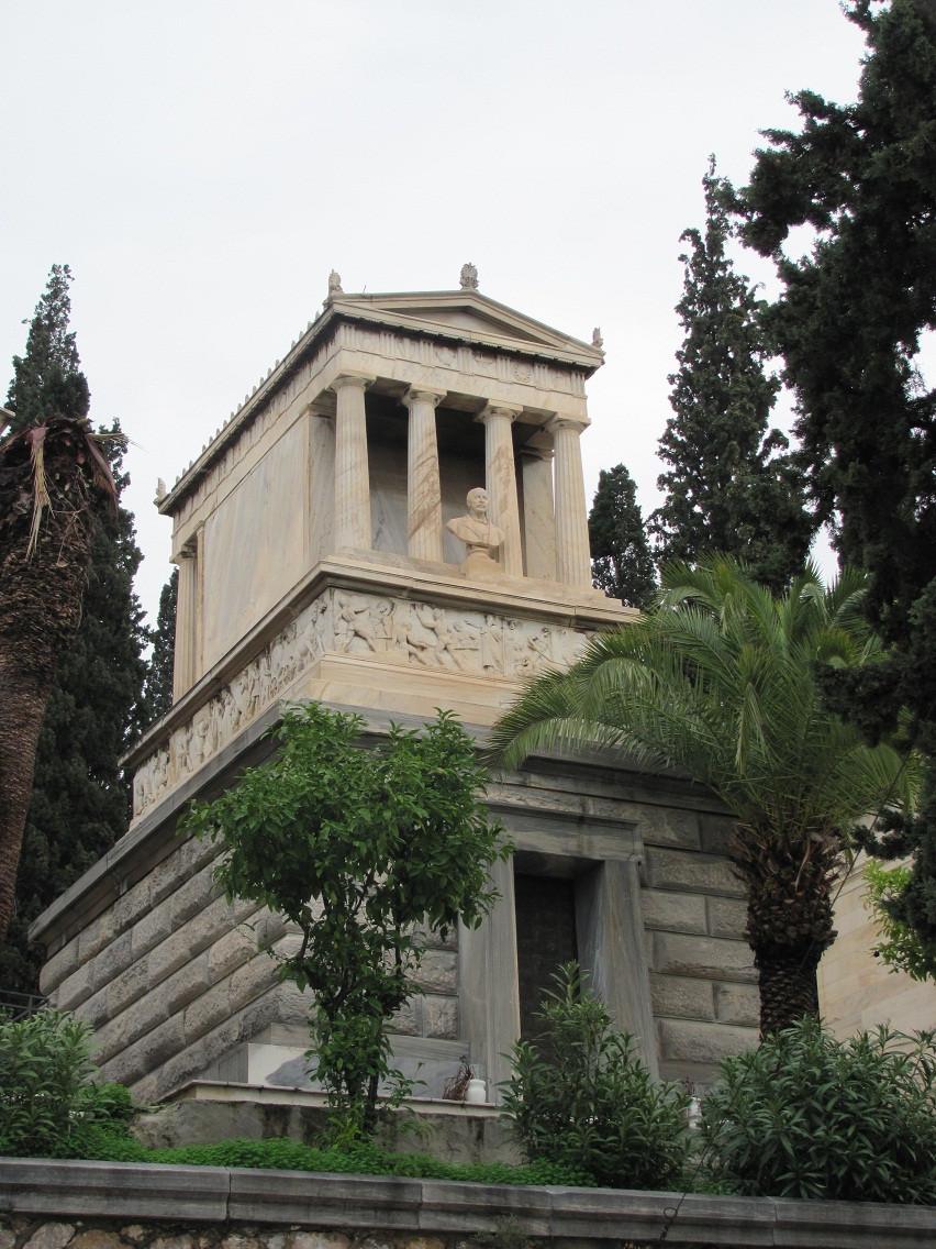 2mi3 Tomb of Heinrich Schliemann Athens