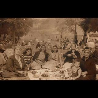 1930s The Picnic