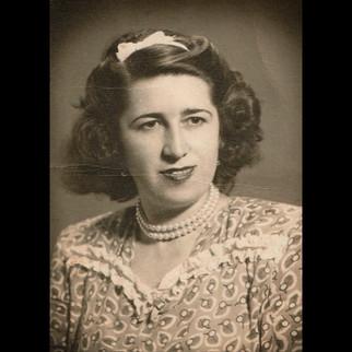 Sanzoni Family, From Palermo to Karaagac / 1940s Luisa Sanzoni