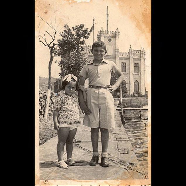 1940s Aleko and Seta