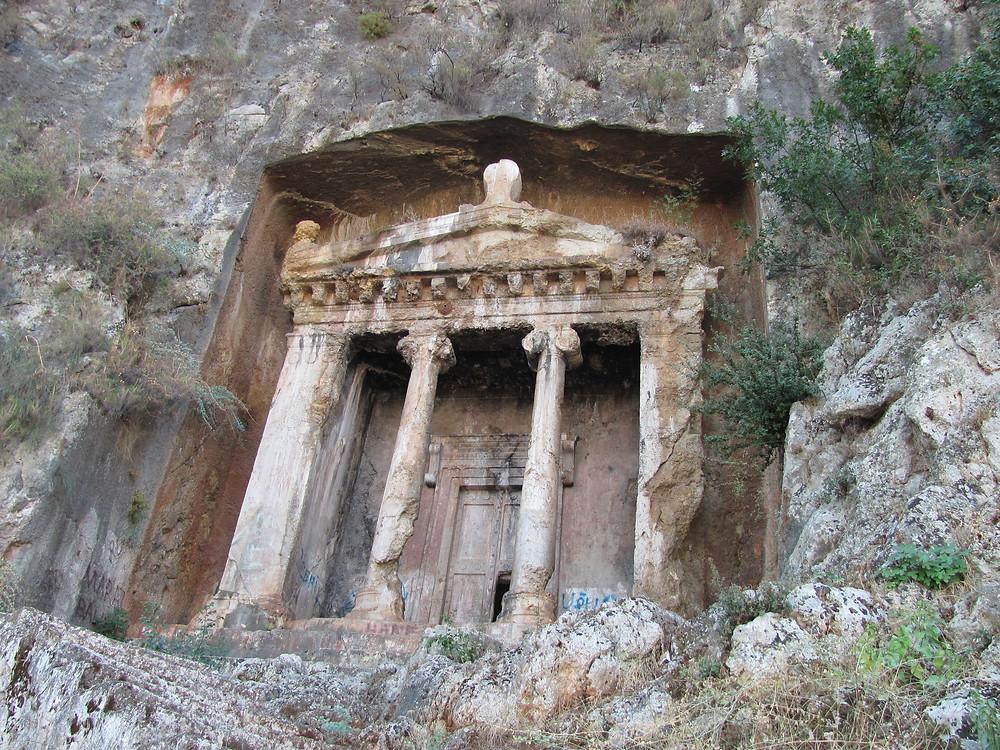 -Amyntas'ın Mezarı-