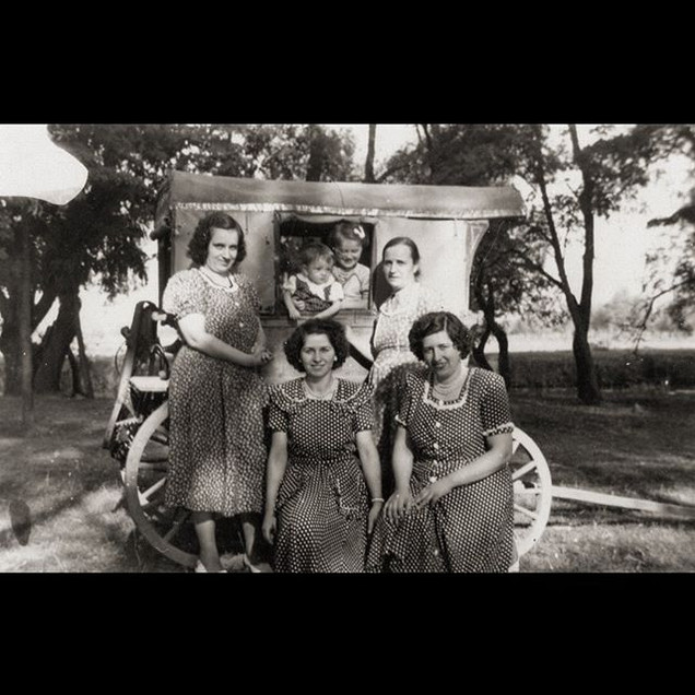 1940s The Sanzoni Ladies