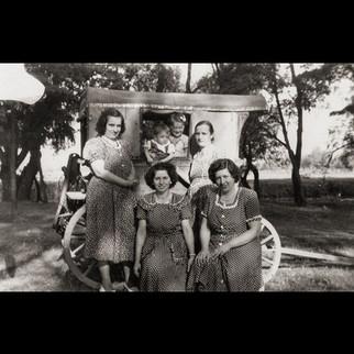 1940s The Sanzoni Ladies