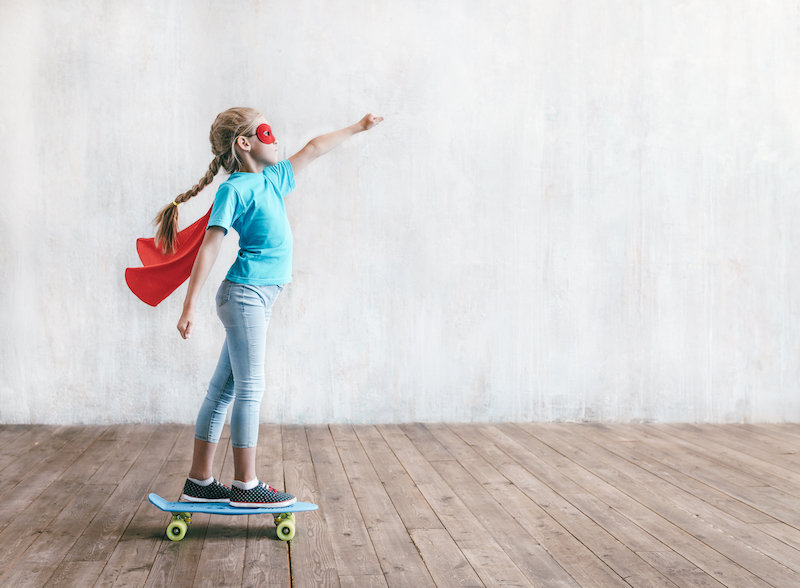 super-girl-skating-on-a-skateboard-L4CDE