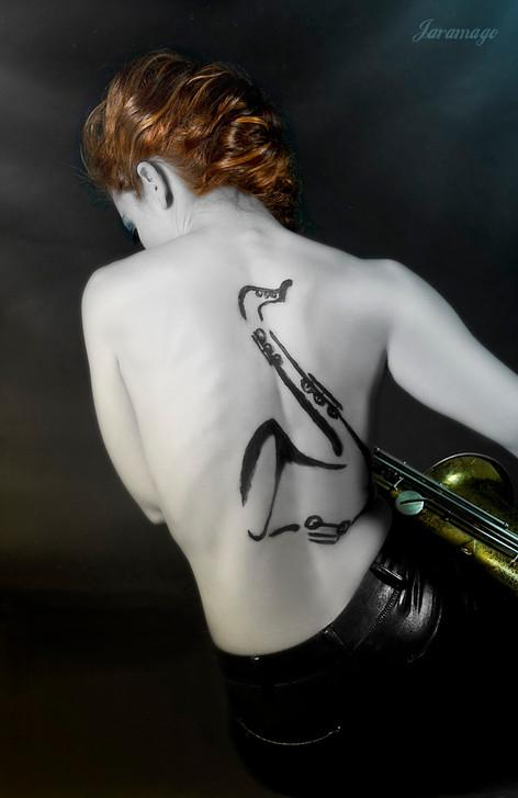 Foto por Raquel Jaramago, saxo body painting & Make up Val Souza Estilistas