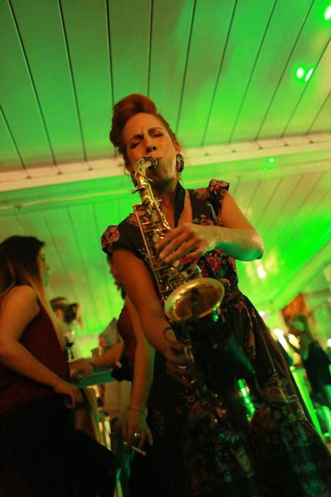 Nasha Sak | Mujer Saxofonista | 90 Grados | Madrid España