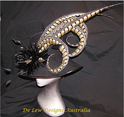 black felt with pheasant and rooster detail de lew