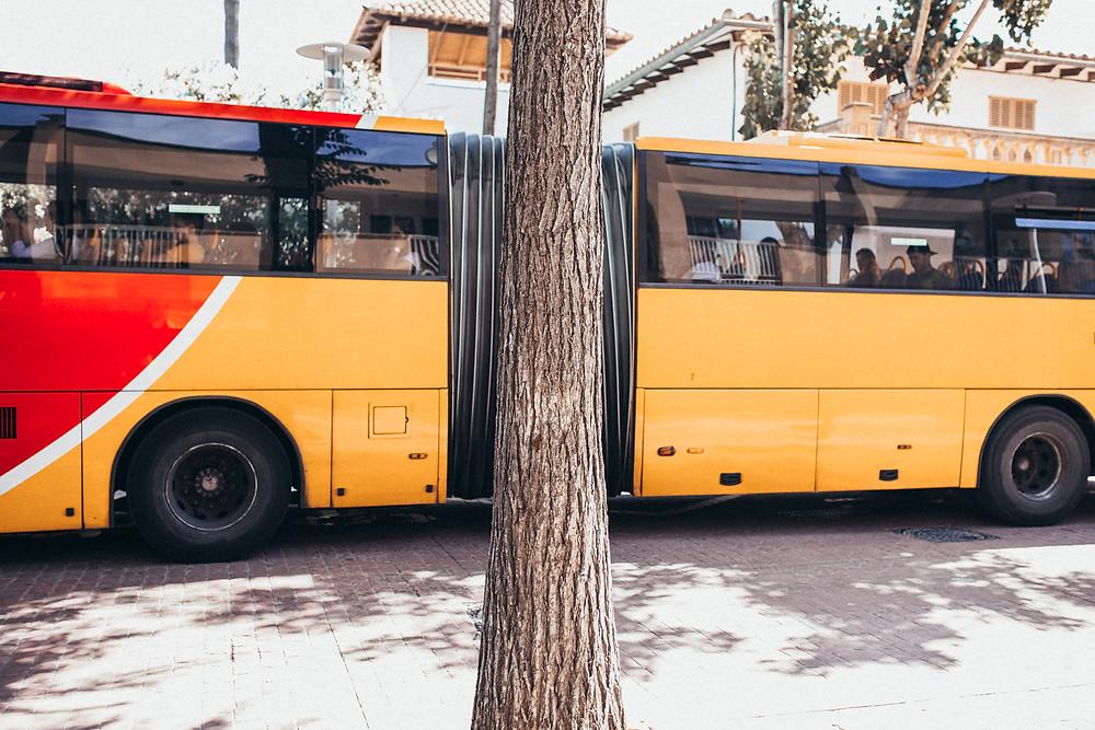 Streetfotografie Deutschland_Streetphotographygermany_Lights and Shades_Linien und Schatten_cologne_-köln_igerscologne_Christopher Reuter_colorphotography_tips und tricks Straßenfotografie