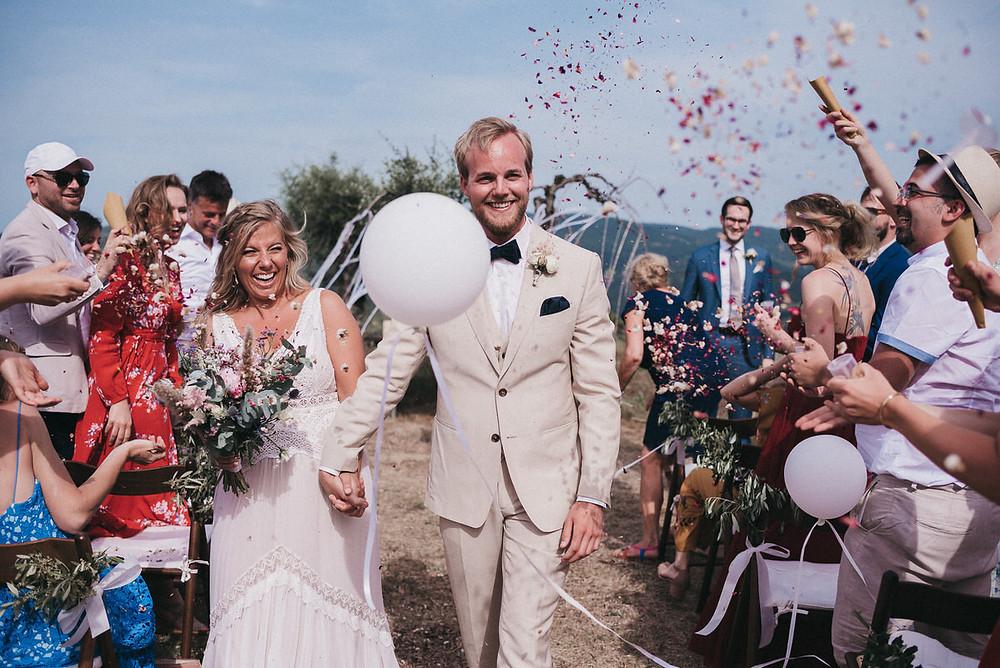 Hochzeitsreportage Toskana - Destination Wedding Toskana - Wedding Tuskani - Hochzeitsreportage in Italien - Christopher Reuter - Hochzeitsfotograf Köln - Hochzeitspaar Glitter - Spalier Hochzeitsfotografie