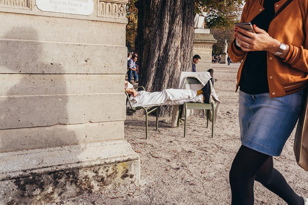 Streetphotography Paris_Streetfotografie Paris_Tips und Tricks für die Streetfotografie_Streetphotography Cologne_Christopher Reuter_Fotograf aus Köln_Reise nach Paris_Deutscher Blogger_Kameraeinstellungen Streetphotography_Paris_Reich und Arm_Straßenfotografie Tips_Camera Settings_Photographer Cologne_Candid Streetphotography
