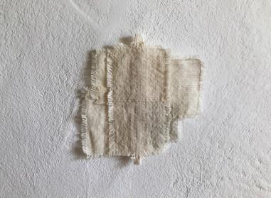 a piece of light    小さな布の欠片を縫い合わせてうまれた小さな布  いつかの景色  ◯  コースターとしてお使いもできます
