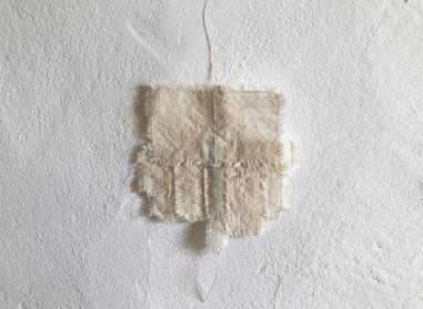 a piece of light  小さな布の欠片を縫い合わせてうまれた小さな布  ◯  いつかの景色   コースターとしてお使いもできます