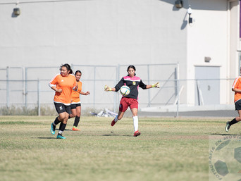 Un gran partido de futbol se llevo a cabo hoy, entre Las Tapatias y Las Leonas...
