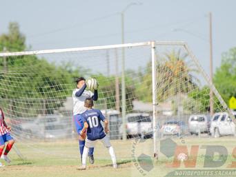 Un partido de futbol de mucho corazón en cada jugada y con grandes goles entre ATLETICOS Y TITANS, p