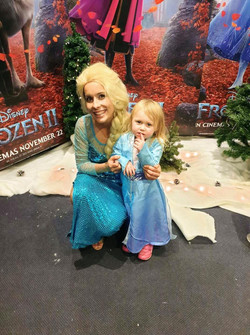 Elsa at the Frozen 2 opening